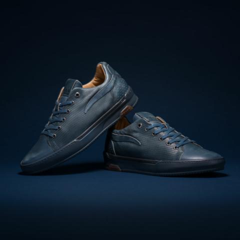 product fotografie rehab footwear schoenen blue